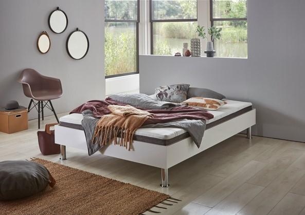 Relita Futonbett KIAN weiß ohne Kopfteil, inkl. Matratze, Rollrost und Füße in silber 140x200cm
