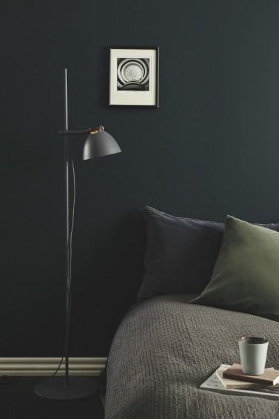 Halo Design Arhus Schwarz Wood Ø18 Stehlampe